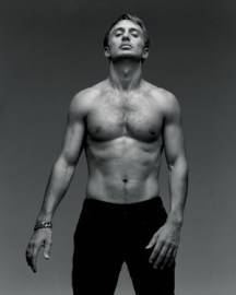 david-guetta-sexy-shirtless-pic.jpg