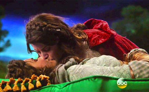Ruby küsst Dorothy