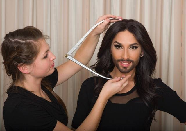 ConchitaWurst_Messung.jpeg
