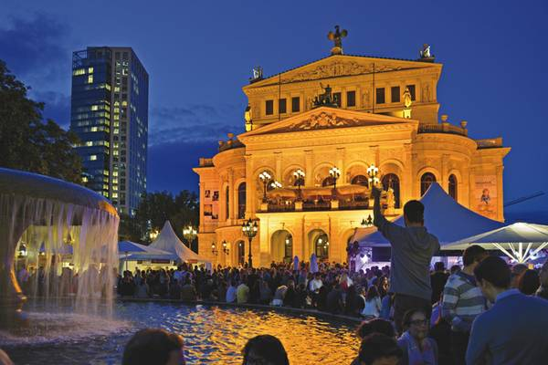 OpernplatzFFM Rosa Montag