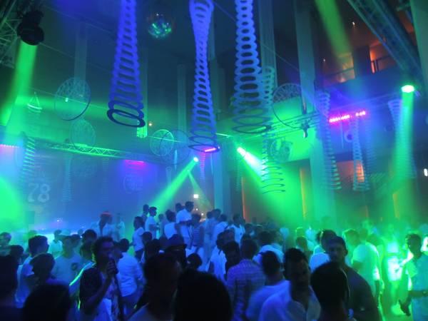 Club78_WhiteNight-10_resize.JPG