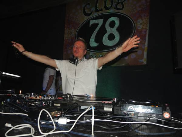 Club78_WhiteNight-18_resize.JPG