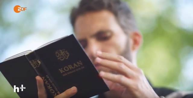 Imam liest Koran