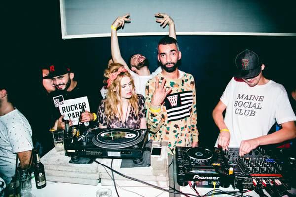 Mit Vergnuegen DJs