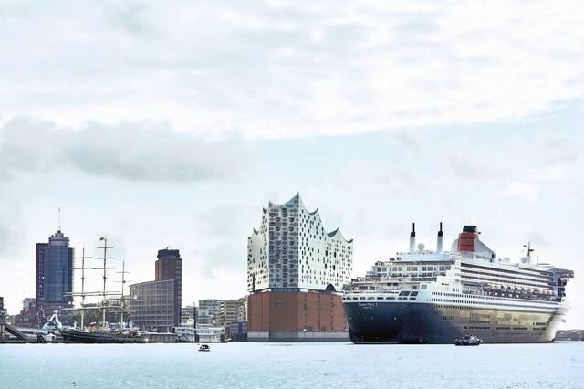 Elbphilharmonie & MS Queen Elisabeth II