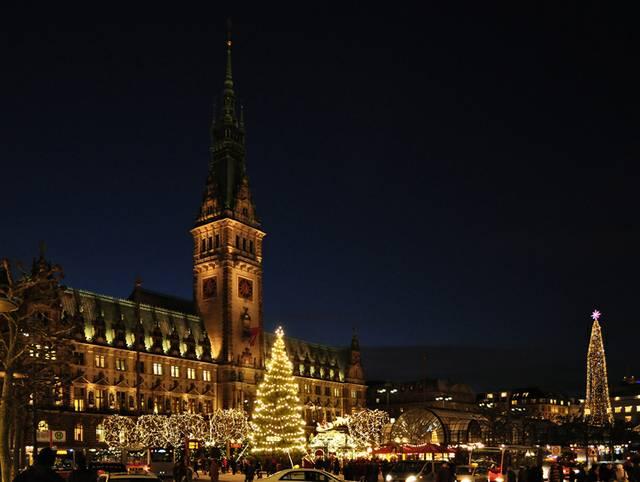 Rathaus Hamburg zu Weihnachten