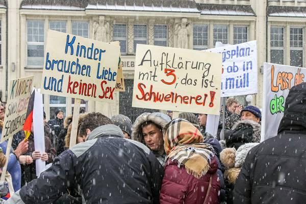 """""""Besorgte Eltern"""" in Hamburg 2015"""