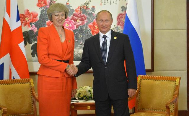 Theresa May und Wladimir Putin