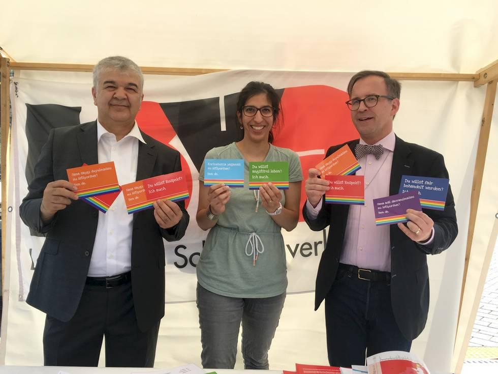 Türkische Gemeinde für Eheöffnung und gegen Homophobie
