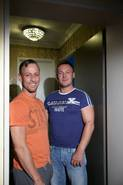 Draussen vor der Türe – von heute auf Morgen mussten Robert und sein Partner ihr Heim verlassen