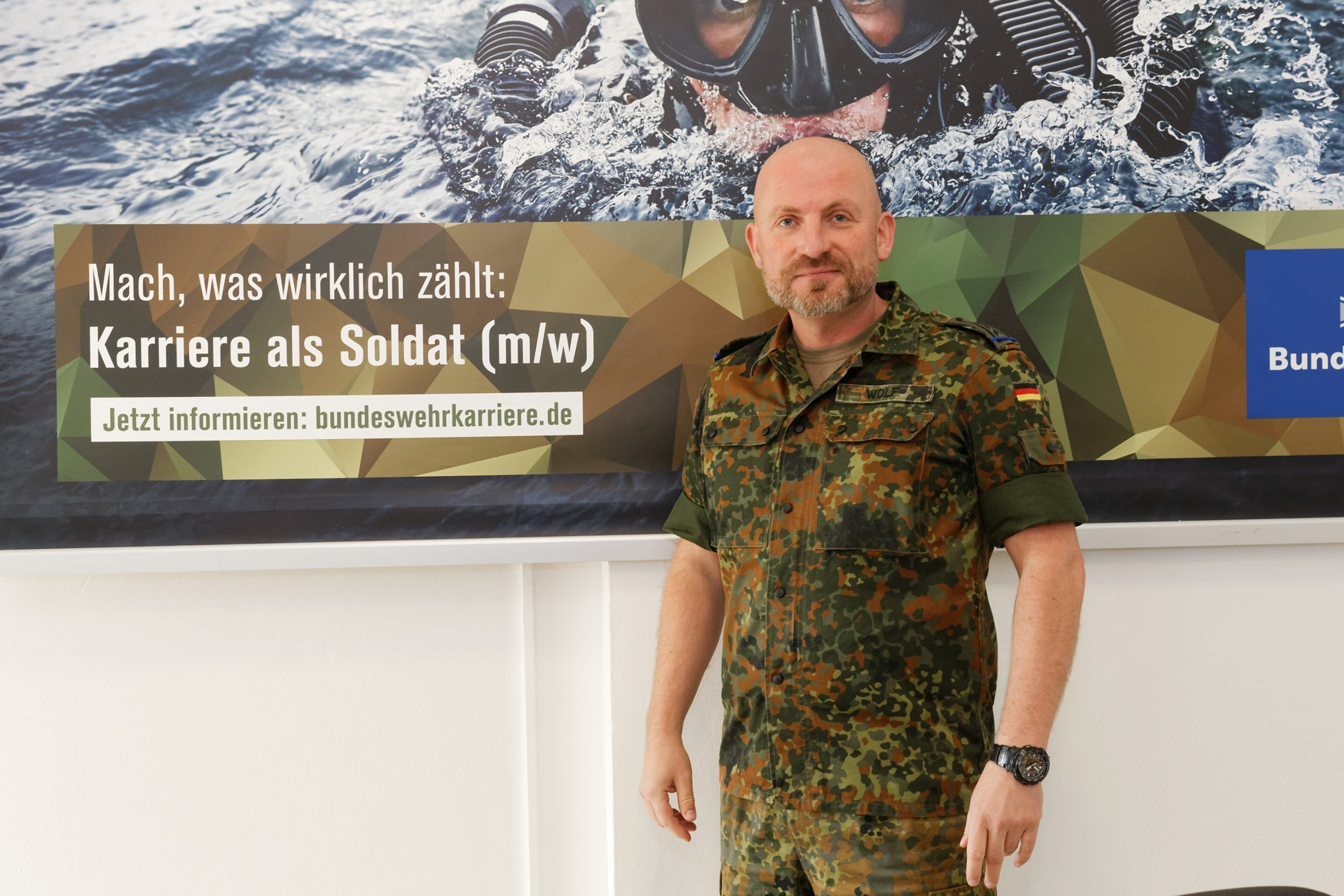 interview schwul in der bundeswehr blu hinnerk gab rik leo. Black Bedroom Furniture Sets. Home Design Ideas