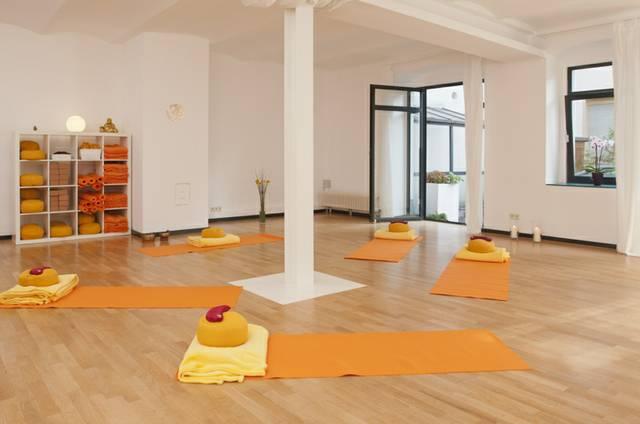 yogaklub-01