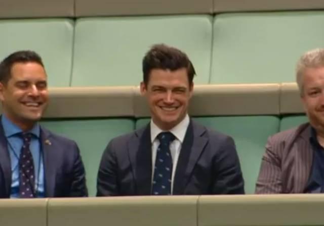 Ryan Patrick Bolger / Antrag Parlament Australien