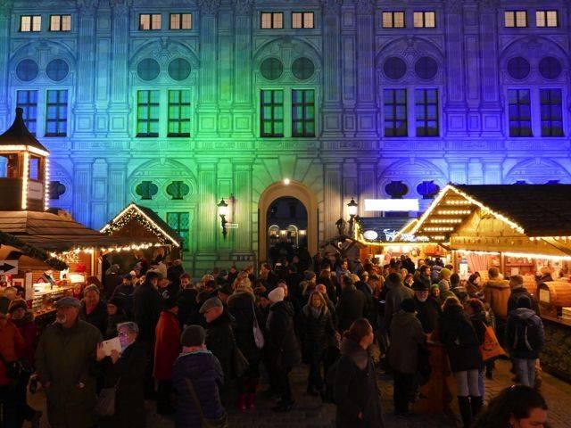 Weihnachtsdorf_1.jpg