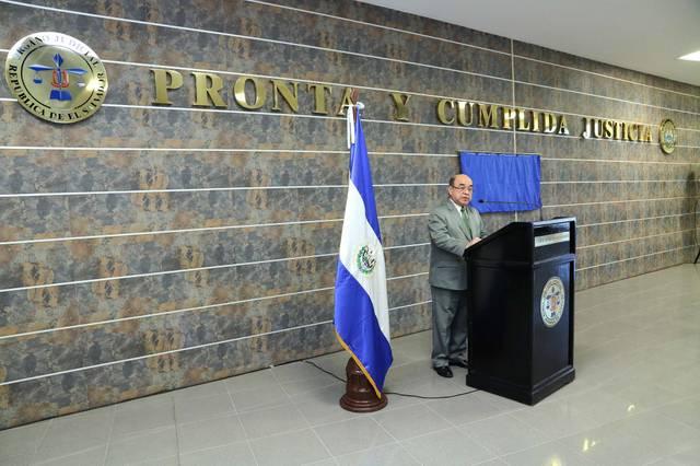 DR. JOSÉ ÓSCAR ARMANDO PINEDA NAVAS
