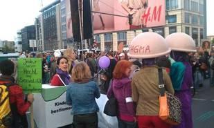 Demonstration gegen die menschenfeindliche Sexual- und Geschlechterpolitik  des Vatikan am 22. September in Berlin. Foto: ck