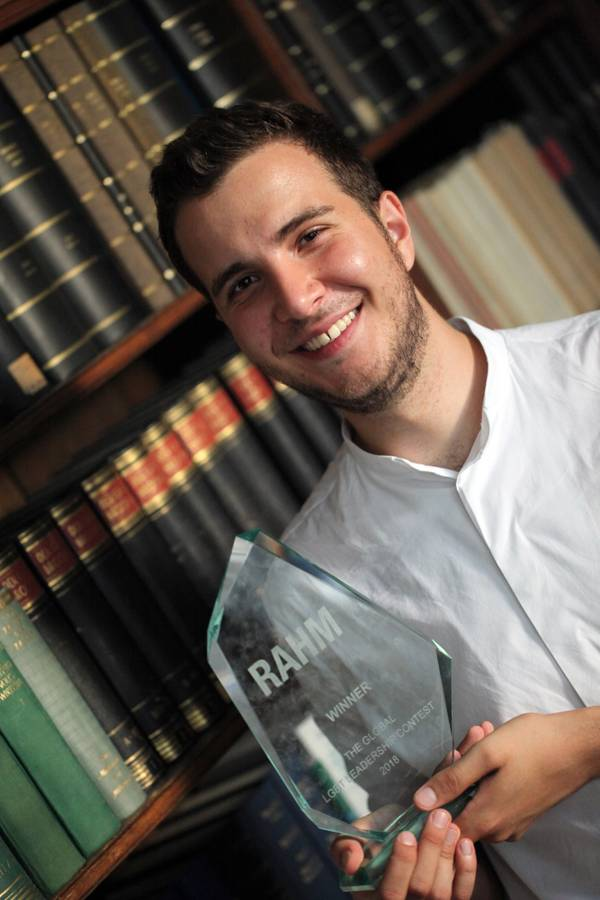 Tarek-Hassan,-Gewinner-des-RAHM-Contests-2018-in-Berlin--RAHM18_Top00032_CaroKadatz.jpg