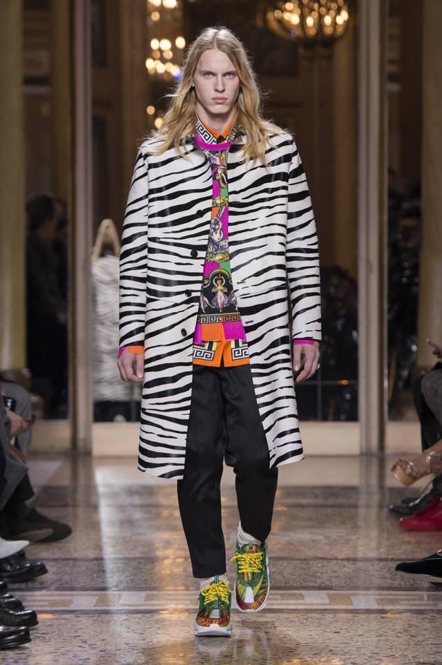 fsfwma02.36b-fashion-week-mailand-h-w-18-19---versace.jpg