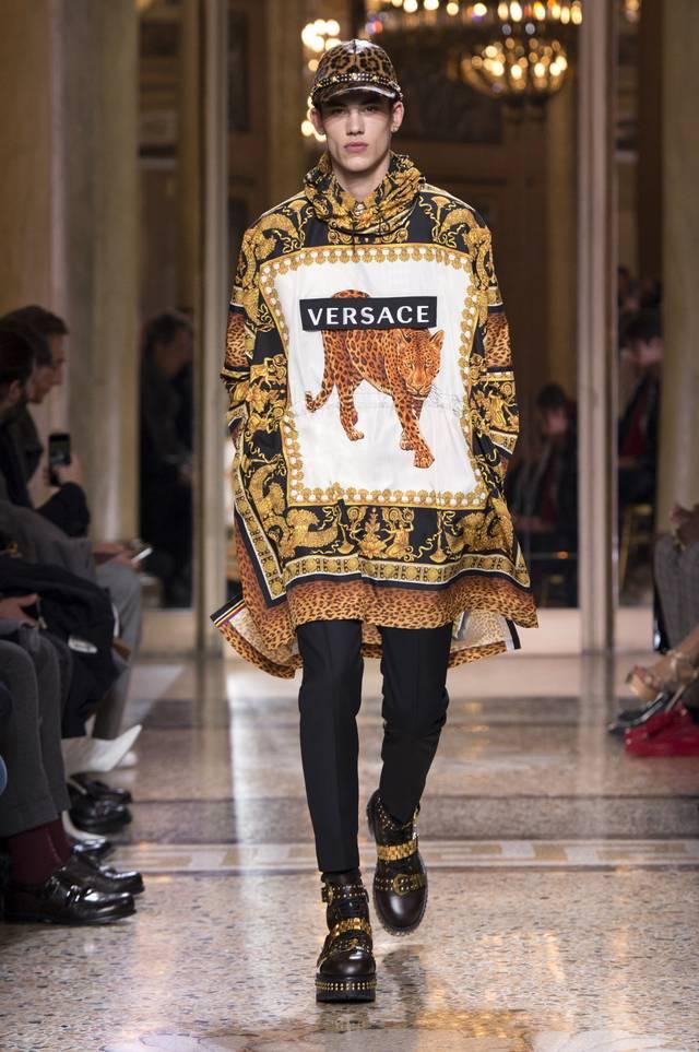 fsfwma02.02b-fashion-week-mailand-h-w-18-19---versace.jpg