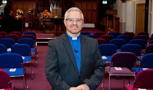 Reverend Scott Burton Perth Schottland
