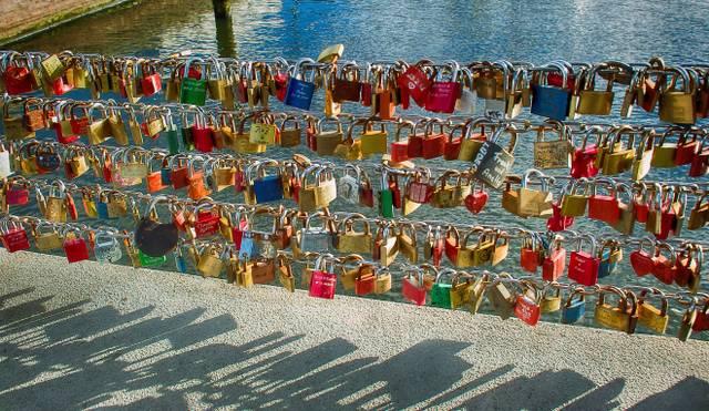 love-locks-102327 (1).jpg