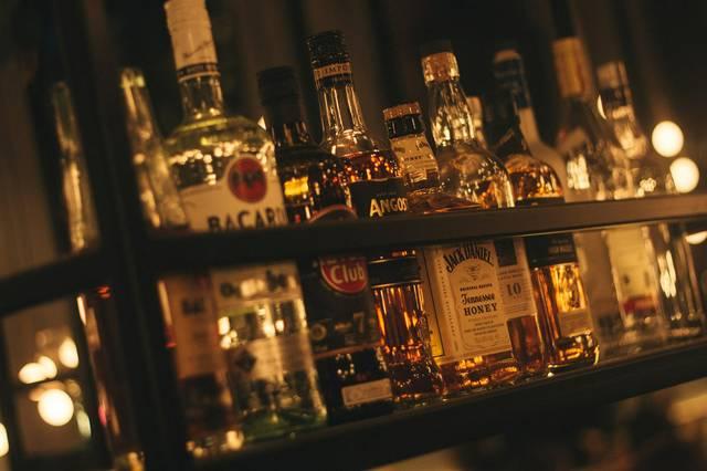 Bar mit Flaschen