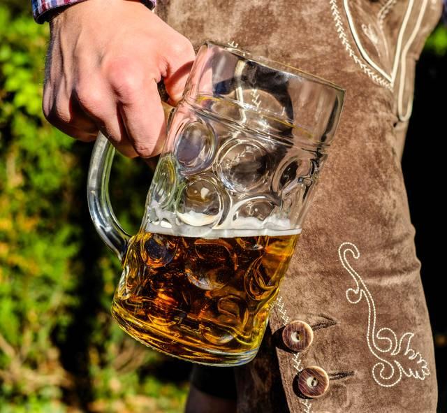 Oktoberfest, Bier und Lederhose