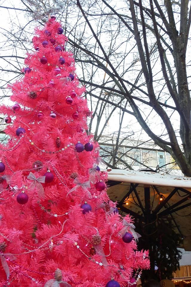 Pinker Weihnachtsmarkt.Der Rosa Weihnachtsmarkt Ist Gestartet Blu Mediengruppe