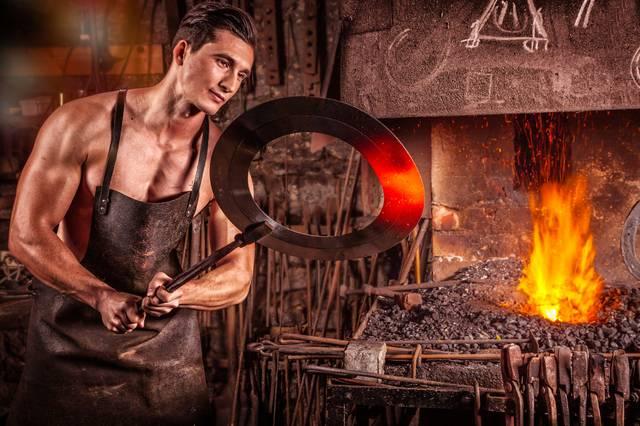 blacksmith-2740128_1920.jpg