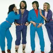 ABBA ENDE DER 1970ER, ANFANG DER 1980ER. BJÖRN IST DER 2. VON RECHTS, NEBEN AGNETHA, UNIVERSAL MUSIC