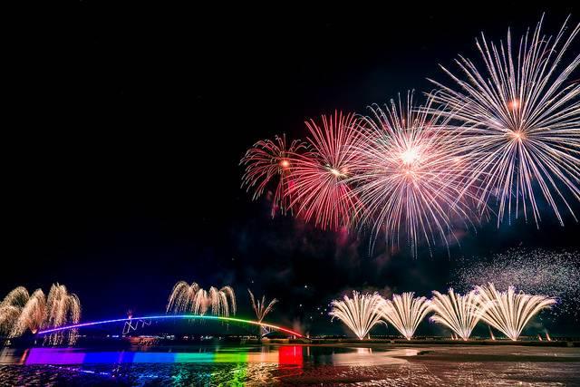 Feuerwerk_Wei-Te Wong_CC BY SA