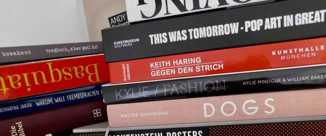 Barbie, Basquiat, Keith Haring, Andy Warhol, Kylie, Lichtenstein