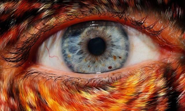 Blaue Augenbrauen