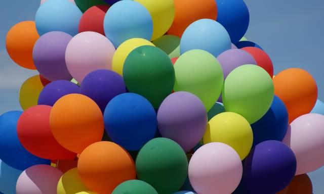 Regenbogen Ballons