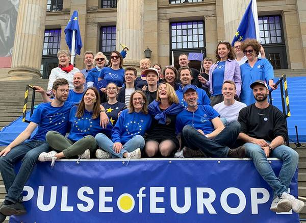 pulse-of-europe-team-berlin.jpg