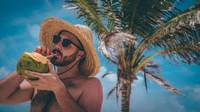 Strand, Mann, Sonne, Urlaub