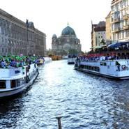 csd auf der spree berlin-mitte dom