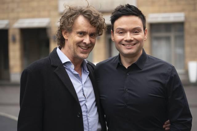 Gunnar Solka (links) im Gespräch mit Marcel Schenk