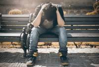 Depression Mann Junge Bank