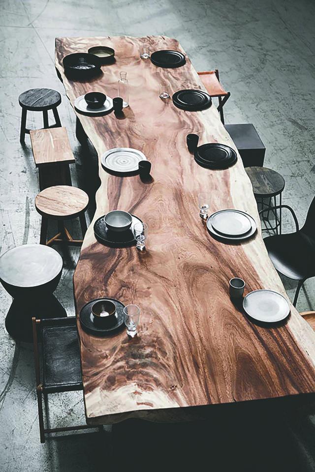 Mano Tisch