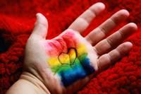 Regenbogen Liebe Herz Hand