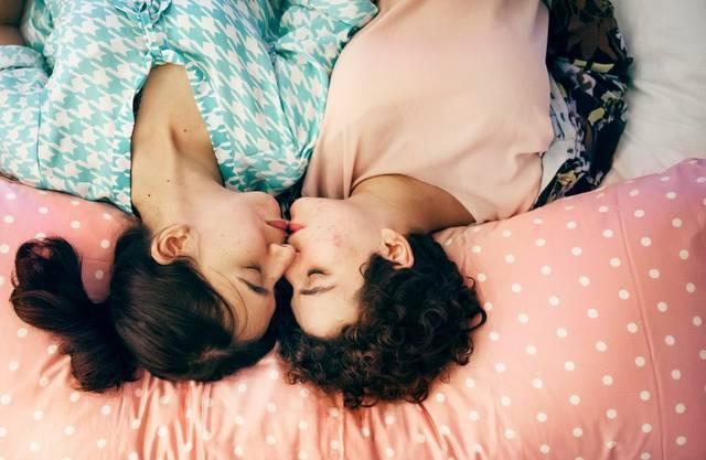 Küssende Lesben