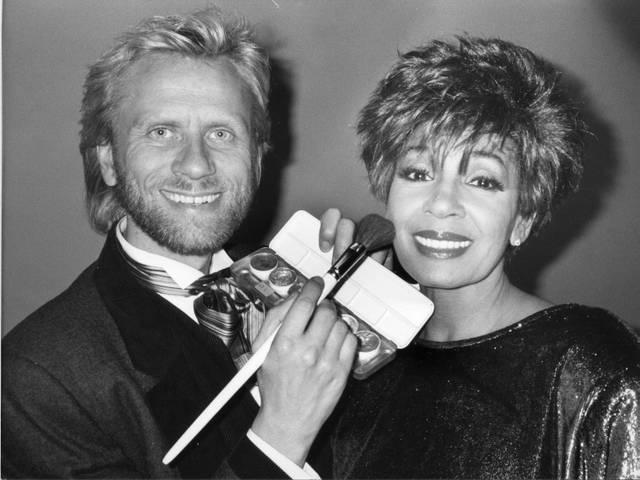 Ren' Koch mit Shirley Bassey 1987.jpg