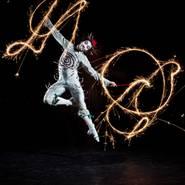 © Foto: Matt Beard, Costumes: Dominique Lemieux, 2011 Cirque du Soleil