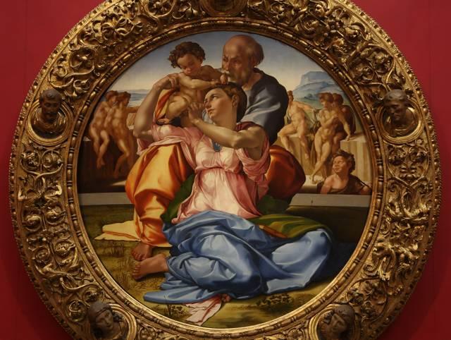 Michelangelo_Buonarroti_Die_Heilige_Familie_mit_hl._Johannes_als_Kind_ca._1507_Uffizien_Florenz-01.jpg