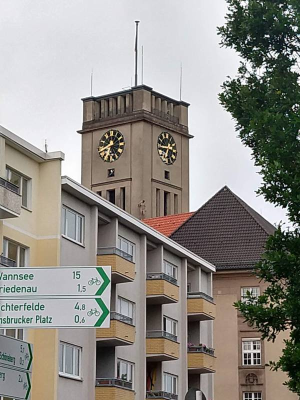rathaus schöneberg.jpg