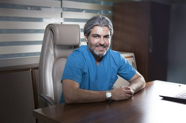 Haartransplantation Türkei Erfahrung_Dr. Serkan Aygin.jpg