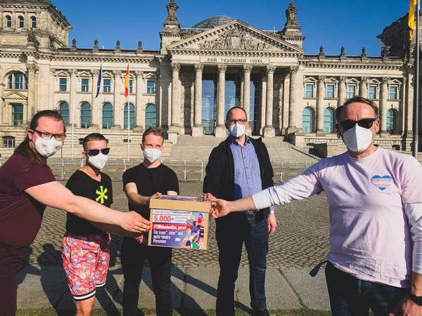 Transgender Day of Visibility, Reichstagsgebäude, Sitz vom Bundestag