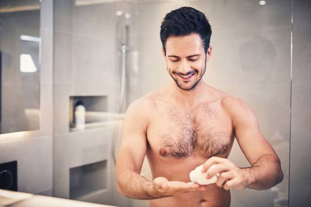 005_Shower_dos_and_donts_Adobe_Stock_baranq.jpg