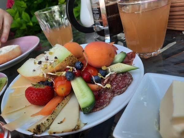 Frühstück, Bellevue-Gastgeberei